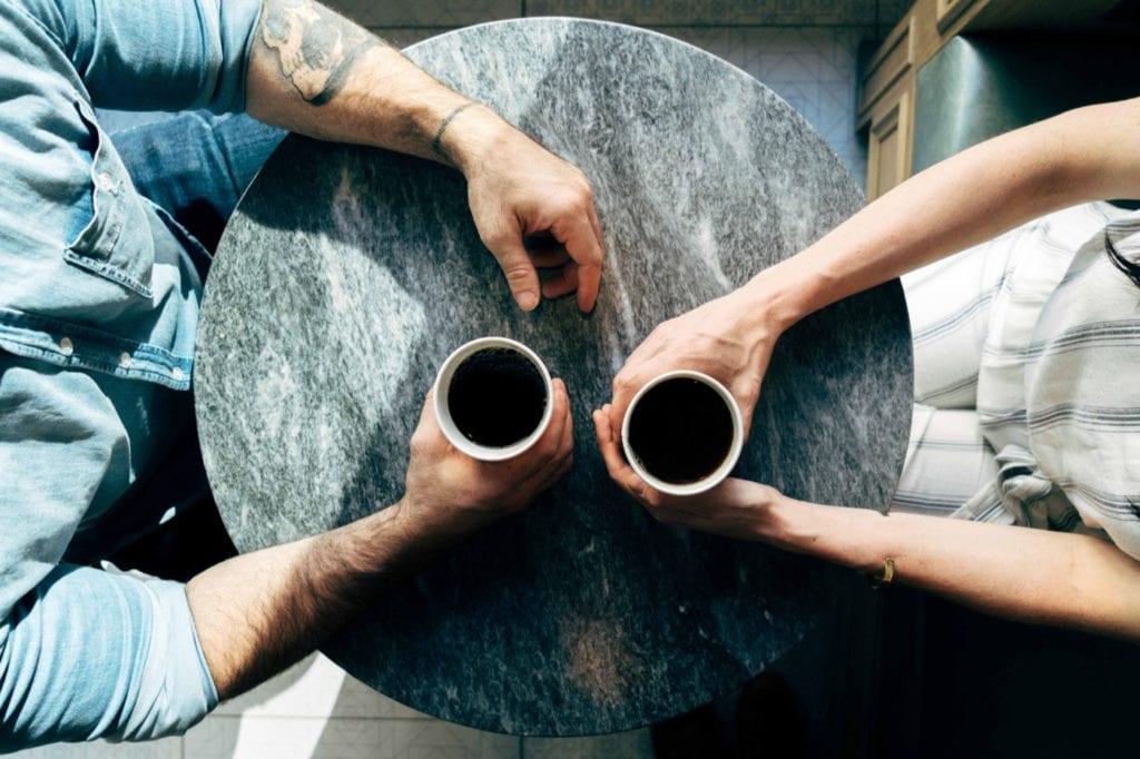 Järjen ja tunteiden harha päätöksenteossa, luottamus ja ostopäätökset